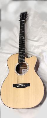 新品特価 Martin(マーチン) / 000CJr-10E エレクトリック・アコースティックギター