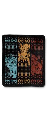 Pokemon Center(ポケモンセンター) / Flareon, Jolteon & Vaporeon Fleece Throw /海外限定 / ブイズ サンダース  ブースター シャワーズ / スロー ブランケット